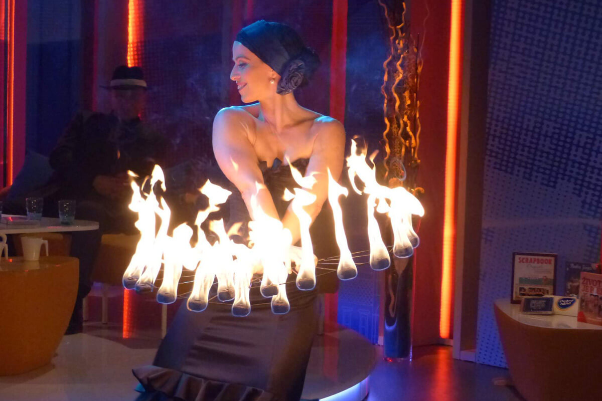 Fire show_Polibek ohně_1